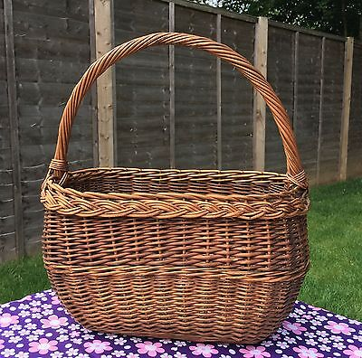 TRADITIONAL VINTAGE 1950s/60s WICKER SHOPPING BASKET