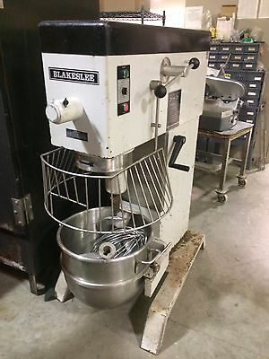 Used Blakeslee DD-60 commercial mixer 208 volt sinle phase 12.1 amps with attach
