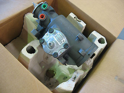 HOLDEN SUBURBAN K1500 / K2500 STEERING BOX Right Hand Drive RHD NEW # 26064432