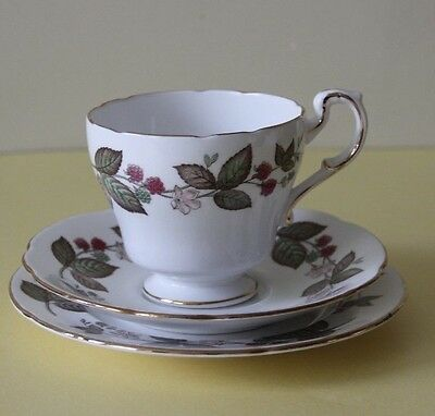 PARAGON China Trio, Tea Cup Saucer & Side Plate Green Briar pattern