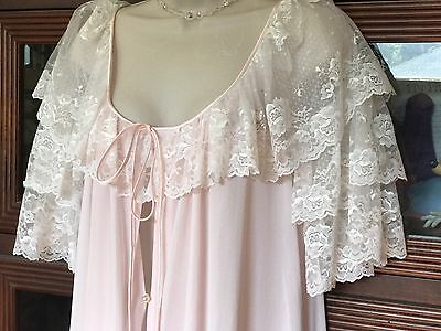 Vtg FANCY Pink Lucie Ann Peignoir Robe for nightgown negligee gown LACE M