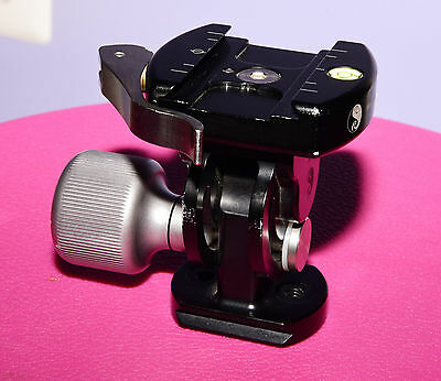 Really Right Stuff RRS MH-01 LR head with standard lever-release clamp
