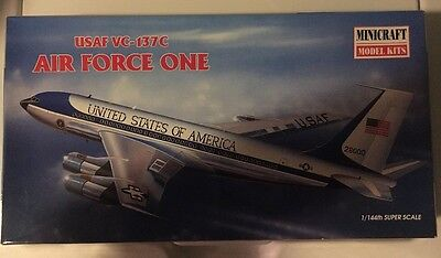 USAF VC – 137C Air Force One              Minicraft Model Kit 1/144 Super Scale