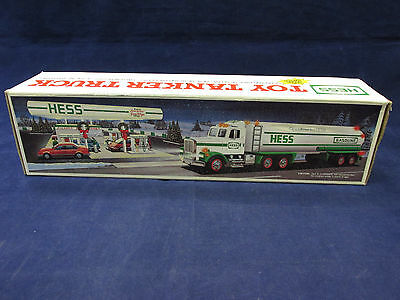 1990 Hess Gasoline Toy Tanker Truck w/ Lights + Dual Sound Operation