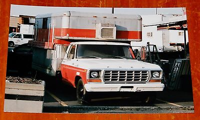 Photo Ex U-Haul Truck 1978 1979 Ford F-350 In Montreal Quebec In 2012 - Vintage