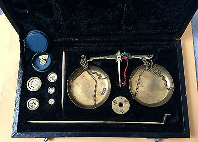 Antique Precision Small Weight Brass Jewelry Scale with weights  and box