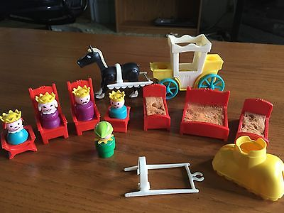 Fisher Price 993 Little People Vintage Castle People & Accessories Lot