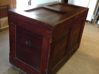 Late 1800's Large Antique Quilt/Blanket Chest - cedar lined