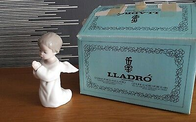 "Vintage Lladro Angle Boy Kneeling 4538 Praying Glossy Figurine 5 1/4"" Tall Spain"