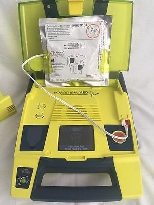 CARDIAC SCIENCE POWERHEART G3 PRO AED + battery, PADS 9300P Automated Defib