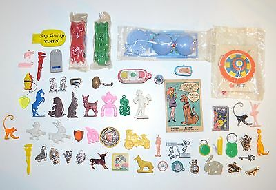 Big Lot of Vintage 1950s 1960s Plastic Gumball Charms Premiums Toys