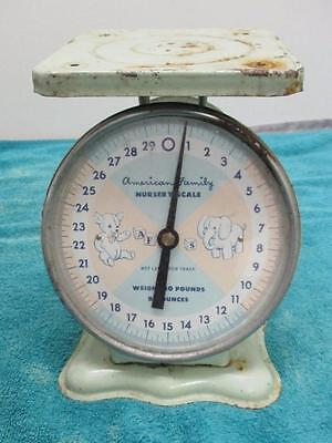 Vintage American Family Nursery Scale 30lbs Max w/0 Tray 1950's? Green SK1408