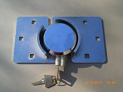 Hasp Latch & Fitted Puck Pad Lock, Heavy Duty, Tamper Proof, High Shed Security
