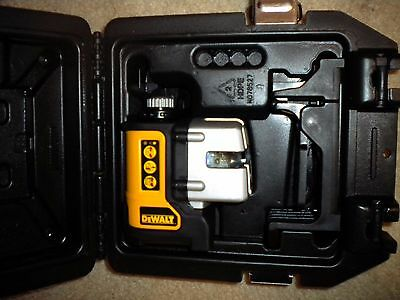 DeWalt DW089 Self Leveling 3 Beam Line Laser Kit,  *near mint*