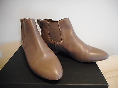 DIANA FERRARI  Size 8.5 (will fit 9)   Modern Leather Ankle Boots  Ladies Womens