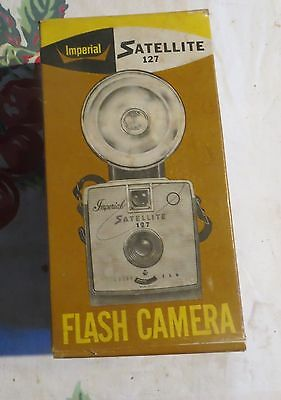 Vintage Imperial Satellite 127 Flash Camera with Operating Manual & Orignal Box