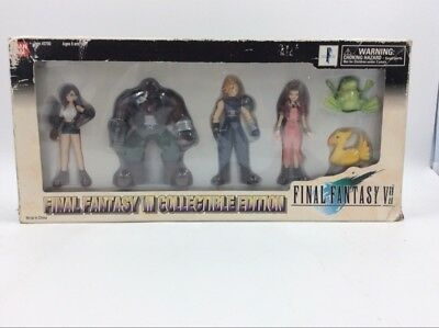 Final Fantasy VII Collectible Edition Box Set w/ Six Figures (S21006463)