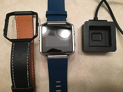 FitBit Blaze mens smart watch w/ charger and additional band