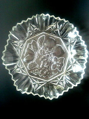 """Federal Pioneer c1950s Ruffle Sided Fruit Pattern Pressed Glass 8"""" Clear Bowl"""