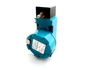 Honeywell Bx4A3K-1A Ip67 Snap Action Limit Switch, Rotary Lever, No/nc, 600V