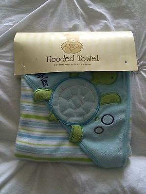 New Baby Hooded Towel + 2 Bibs
