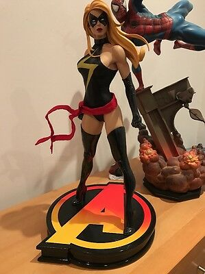 Sideshow Ms Marvel Premium Format Exclusive statue