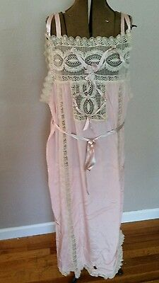 Vintage Exquisite Never Worn Silk Ribbon/Lace Nightgown