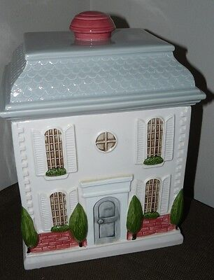 Unmarked Federal Style House Shaped Collectible Ceramic Cookie Jar EUC