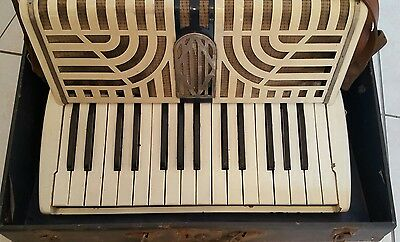 Vintage Yamaha Piano Accordian. Model 4970 Ngk