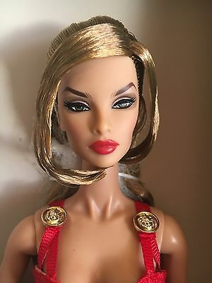 Supermodel Fashion Royalty Legendary Natalia Complete Dressed Doll Nrfb