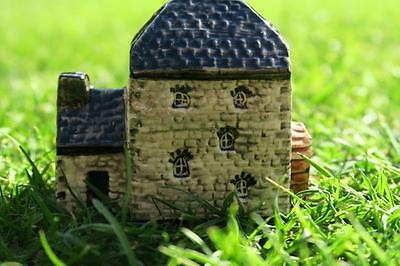 TEY POTTERY TUDOR No 20 WATERMILL COTTAGE