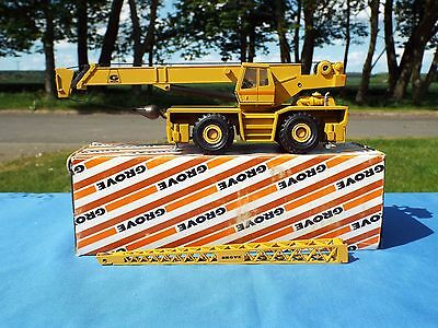 NZG No 178 is the model of the Grove RT 45/50 telescopic crane Excellent/boxed