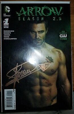 Arrow Season 2.5 #1 SIGNED STEPHEN AMELL