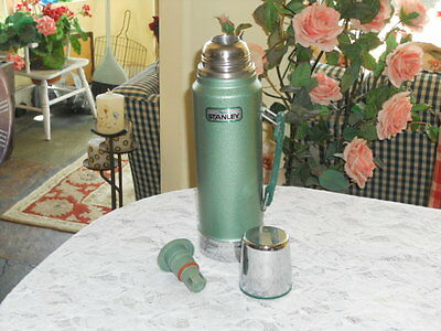 Vintage  Aladdin Stanley NO. A-944DH Quart Thermos Made In USA
