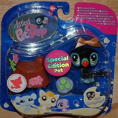 Littlest Pet Shop SPECIAL EDITION FUZZY BLACK TOUCAN #1014 RETIRED!