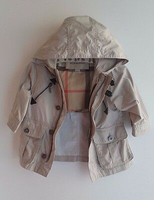 Immaculate BURBERRY Baby Girls / Boys Trench Coat Designer Mac Jacket 6 Months