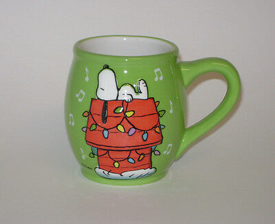 Snoopy Laying Down On Doghouse Christmas Holiday Lights Green 3D Mug Coffee Cup