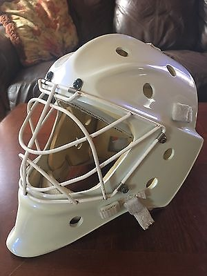 Itech/Bauer 951/950 Ice Hockey Goalie Mask Helmet NHL Cat Eye Cage Pro