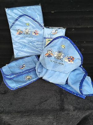 Mothercare Garden Creatures Flannels 2 Pack + Baby Towel Blue Bee Snail