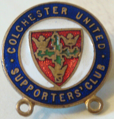 COLCHESTER UNITED Vintage SUPPORTERS CLUB badge Button hole In gilt 23mm x 25mm