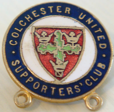COLCHESTER UNITED Vintage SUPPORTERS CLUB badge Brooch pin In gilt 23mm x 25mm