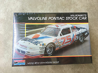 Neil Bonnett's Valvoline Pontiac Grand Prix Stock Car 1/24 Monogram 1989 Sealed