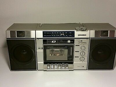 Vintage Sanyo Portable Cassette boombox M 9839 Made in Japan ac/dc