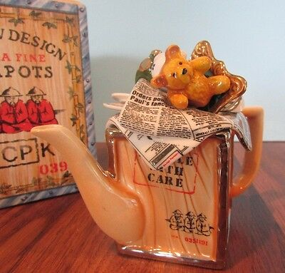 Cardew Design Vintage Tea Chest Teapot – One Cup Size W/BEAR/TRAIN