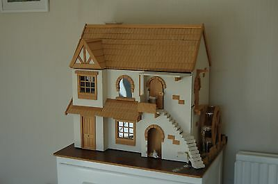 Dolls House. Beautiful quality house complete with furniture