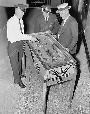 "Bally Peerless Multiple Pay Out Pinball 1936   8"" - 10"" B&W Photo Reprint"
