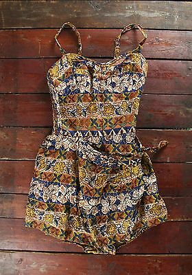 VTG 50s THE KAHALA HAWAIIAN HIBISCUS PRINT BATHING SWIMSUIT PLAYSUIT PINUP SMALL