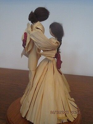 Vtg 1997 Silk Expressions Corn Husk Dolls Dancing Man and Women on Stand 11 inch