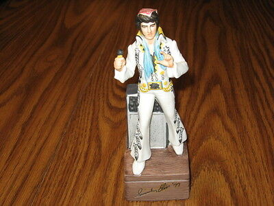 McCORMICK PORCELAIN ELVIS PORTRAIT & MUSIC BOX LOVE ME TENDER AND 2 OZ.BOURBON