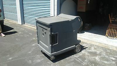 Cambro Camtherm® Low Profile Electric Hot/cold Cart - Gray - Slightly Used